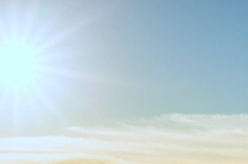 bright sun, clear sky