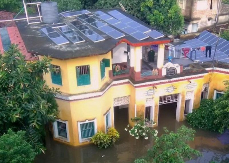 In Rural India, Solar Powers Through a Flood