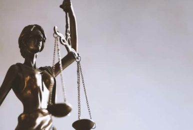 Courts-blind justice statue