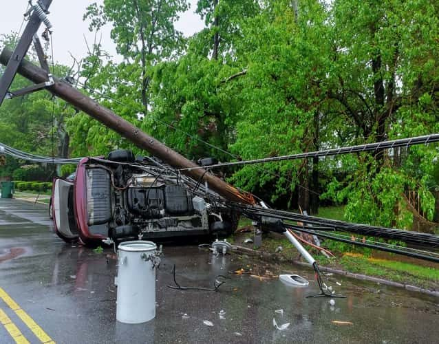 Destruct pole truck fell over a car