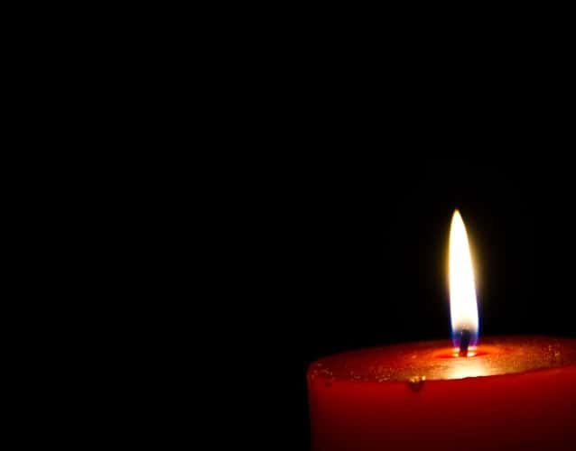 candle light in dark